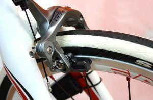 building a single speed bicycle : Choose the brakes