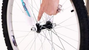 Reinstall the wheel - how to patch a tube